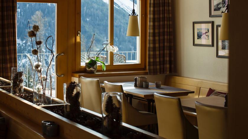 Image of Bellevue Restaurant - 7 of 61.jpg