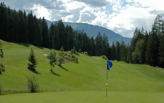 Image of Golf im Bergfrühling